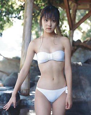 Japanese Teen Bikini Pics